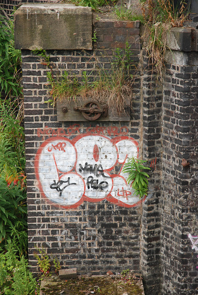 Like when i went to Reddish South in 2006 there was Graffiti so i just <br /> <br /> had to get thos shot of Graffiti at Denton on the Rail over Bridge