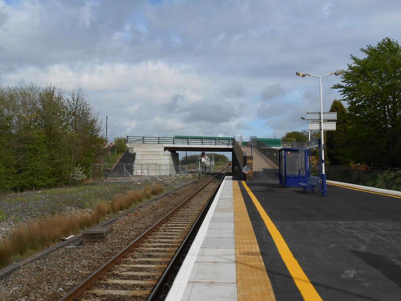 Picture by Liz <br /> <br /> Shot of the Preston bound platform looking towards Preston