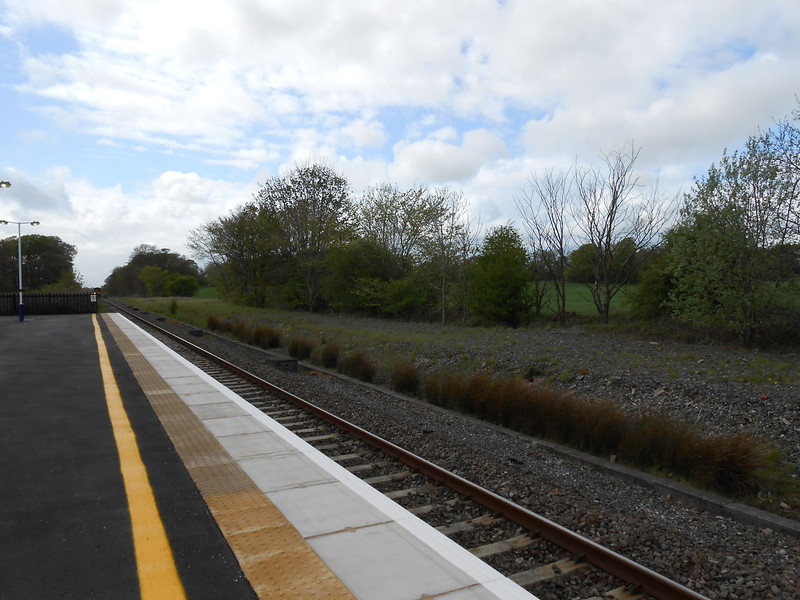 Pic by Liz <br /> <br /> Shot looking towards Blackpool from the Preston bound platform