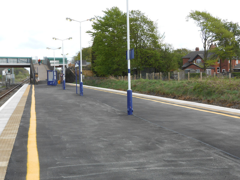 Picture by Liz <br /> <br /> Shot looking towards Preston along the Preston Bound platform and the exit ramp