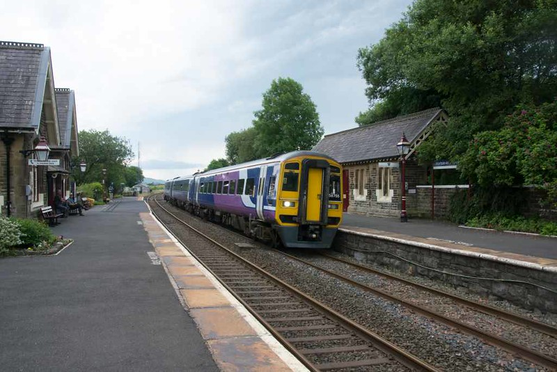 158755, 2H86, Horton-in-Ribblesdale, Wed 20 July 2016 - 1257.  Northern's 1049 Leeds - Armathwaite, running one hour late so terminated at Appleby.