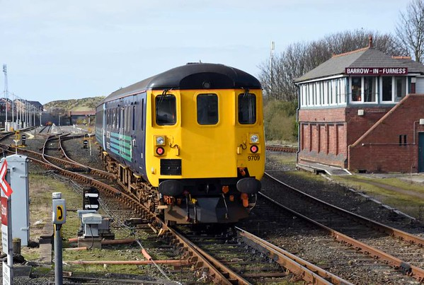 37402 Stephen Middlemore & DBSO 9709, 2C41, Barrow-in-Furness, 14 March 2014 - 1437 2