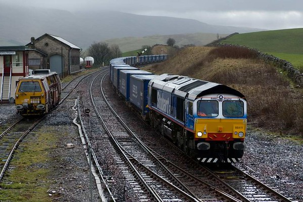 66411 Eddie the Engine, 4S43, Kirkby Stephen, Wed 28 February 2007 - 1112.   Trains were diverted, and here is DRS's Daventry - Grangemouth Tesco Express on the Settle & Carlisle.