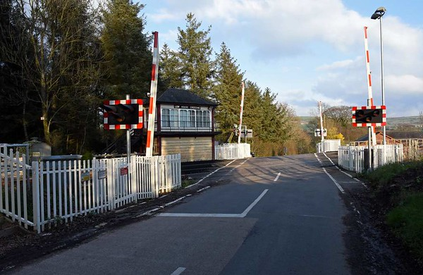 Low House level crossing, 23 March 2017.  Looking east.