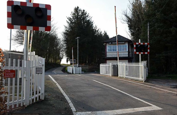 Low House level crossing, 23 March 2017 2.  Looking west.