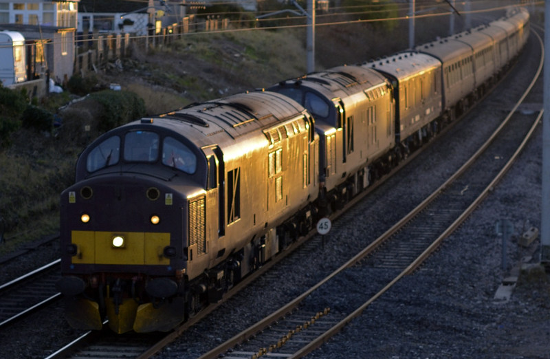 37706 & 37668, 5M43, Hest Bank, Tues 6 January 2015 - 1549.  A Southall - Carnforth ECS move.  The consist was reported as 96175, 5222, 5171, 9104, 13440, 5237, 5249, 5236, 1666, 99350, 99351, 99371, 5200 & 5216.