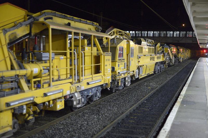 66503 & 66414, 6Y15, Lancaster, Sat 10 January 2015 - 2120 3: DR 76801 & DR 76503.