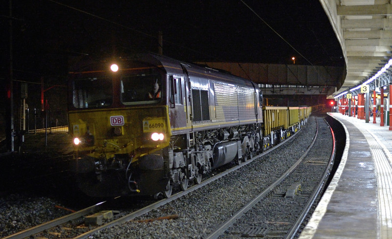 66090, 6L42, Lancaster, Sat 10 January 2015 - 2019.  DB Schenker's 1815 Basford Hall - Shap summit PW.  It worked through to Carlisle yard on the 11th.  The consist was reported as 29292, 503138, 29137, 29388, 29143, 29037, 29540, 29194, 29165, 29466, 29273, 29330, 29336, 29343, 29319, 29335, 503582 & 29259.  The train weighed 1232 tonnes.  66090 ran light to Arpley from Carlisle on the 11th with 60063 & 66139 (0L43).