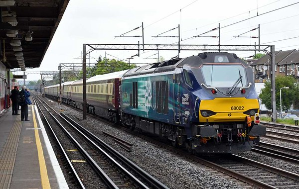 88002 Prometheus & 68022 Resolution, 1Z88, South Kenton, Tues 9 May 2017 - 0944 2.