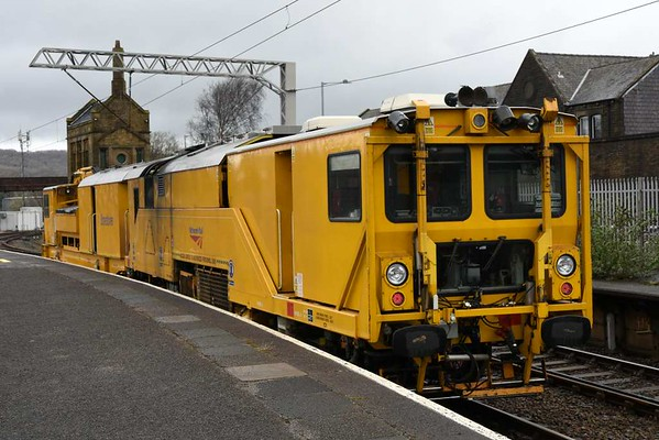 DR 80213, 6U33, Carnforth, Mon 20 March 2017 - 1015.  Network Rail's Stoneblower sets off on the 1000 move from Bottom End sidings to Guide Bridge via Bentham.