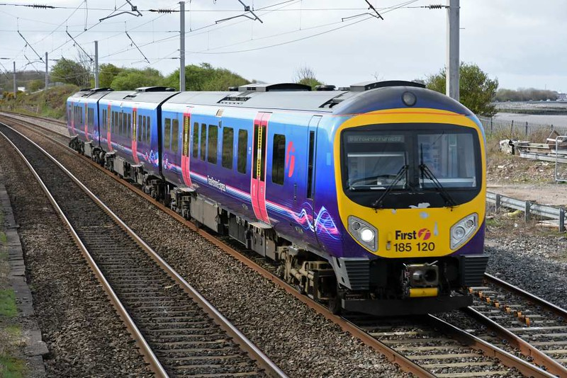 185120, 1C52, Hest Bank, Wed 5 April 2017 - 1109.  Northern's 0929 Manchester Airport - Barrow.