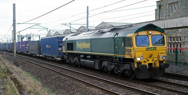 66547, 4S44, Carnforth, Fri 10 February 2017 - 1546.  The 1213 Daventry - Coatbridge Freightliner.  This is still normally a class 70 working.