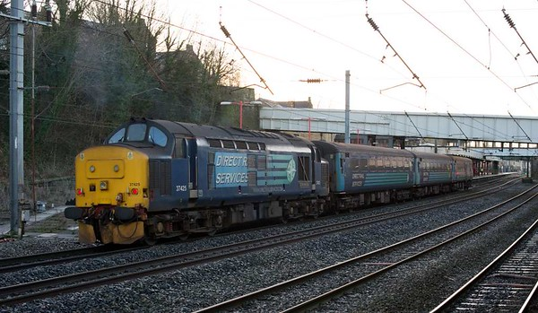 37425 Concrete Bob, 2C32, Lancaster, Wed 4 January 2017 - 0911.  Northern's 0515 Carlisle - Barrow - Preston, formed short with DBSO 9707, 6173 & 6001.