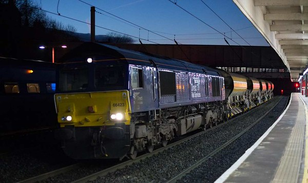 66423, 6C02, Lancaster, Wed 4 January 2017 - 0736.  DRS's 0419 Basford Hall - Carlisle yard departmental, formed of five JJAs and running 84 minutes late because of the 6M02 problem at Acton Grange.