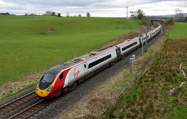 390008 Virgin King, 9S55, Penrith, Wed 5 April 2017 - 1453.  Virgin's 0943 Euston - Birmingham - Glasgow running 65 late because of the 6S94 failure at Grayrigg.