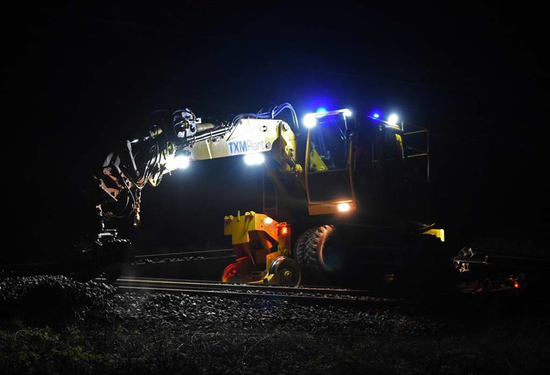 TXM Plant rail-roader recovering scrap rail, Carnforth, Sun 9 April 2017 - 0229 2.