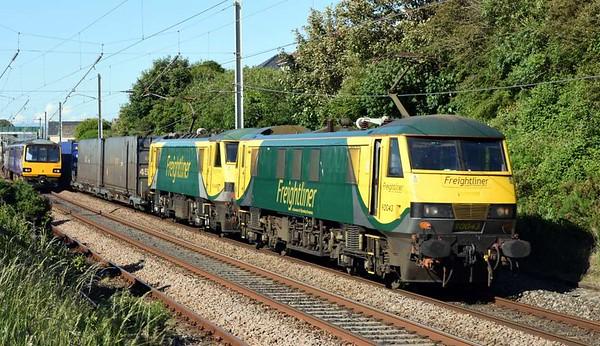 144018 (2Y23) & 90043 + 90045 (4M49), Hest Bank Sun 18 June 2017 - 1743.  Northern's 1723 Morecambe - Leeds and the 1355 Coatbridge - Basford Hall Freightliner.