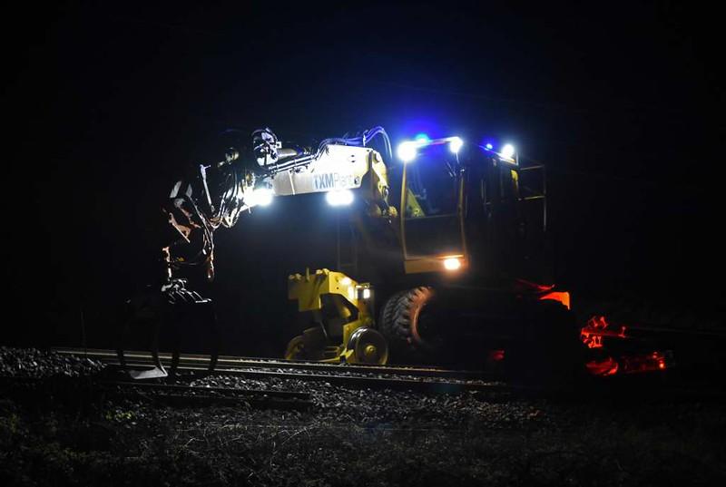 TXM Plant rail-roader recovering scrap rail, Carnforth, Sun 9 April 2017 - 0229 1.