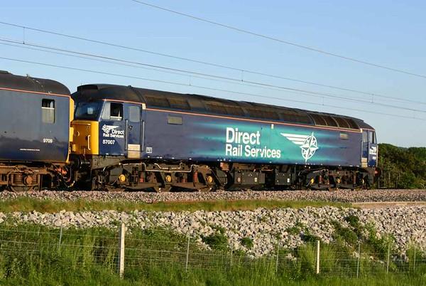 57311 Thunderbird, 37422 & 57007, 5Zxx, Carnforth, Fri 26 May 2017 - 1951 3.