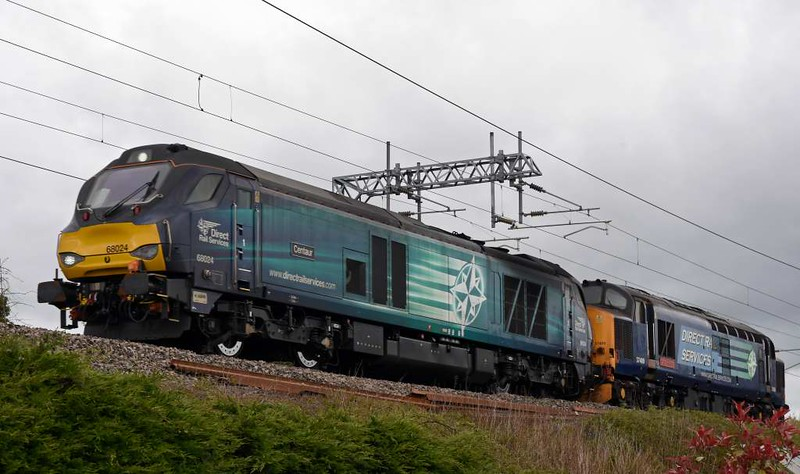 68024 Centaur & 37409 Lord Hinton, 0K27, Carnforth, Thurs 13 April 2017 - 1459.   DRS's 1443 Carlisle yard - Basford Hall departmental, running 135 early.