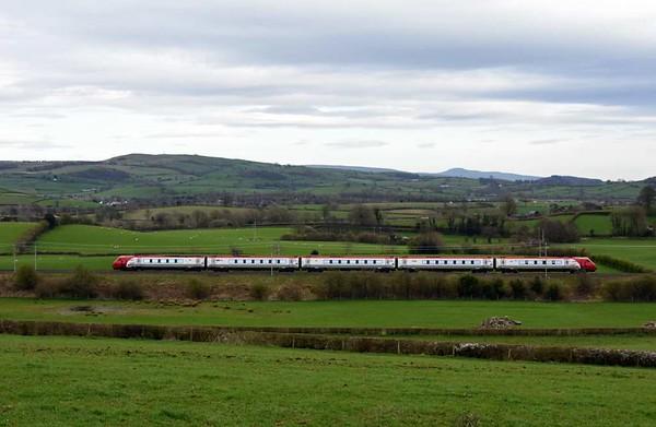 221xxx, 9S65, Milnthorpe, Mon 3 April 2017 - 1520.  Virgin's 1143 Euston - Birmingham - Glasgow.