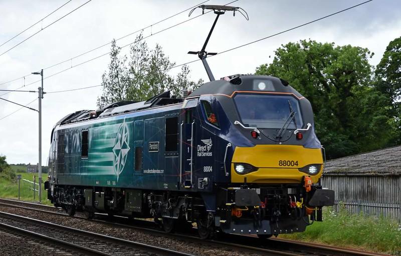 88004 Pandora, 0Z89, Carnforth, Thurs 8 June 2017 - 1321.  DRS's 1218 Crewe - Kingmoor move.  88004 had earlier run pan down 0Z88 0714 Kingmoor - Crewe behind 88002 (pan up).