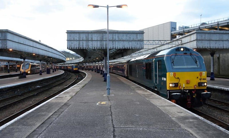 221134, 170405 Riverside Museum & 67004 Cairn Gorm, Aberdeen, Thurs 21 May 2015 - 2102.  67004 awaits departure from platform 3 with the 2143 Caledonian sleeper to Edinburgh and Euston.  The six coaches were 10561, 10688, 10565, 10718 (all berths), 6703 (lounge car) & 9808 (seats).  The 170 in platform 4 was on the 1B42 2105 ScotRail service to Edinburgh, and the Voyager in platform 6 was on the 1B61 2131 CrossCountry to Edinburgh.
