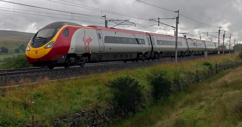 390020 Virgin Cavalier, Scout Green, 13 August 2008 - 1700    Virgin's 1510 Glasgow - Euston.