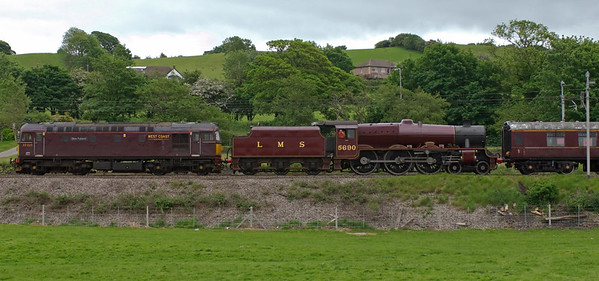33025 Glen Falloch & 5690 Leander, Carnforth, 27 May 2008 - 1734 1    The 33 brings the Jubilee from the ELR to Carnforth for repairs using Steamtown's wheeldrop.