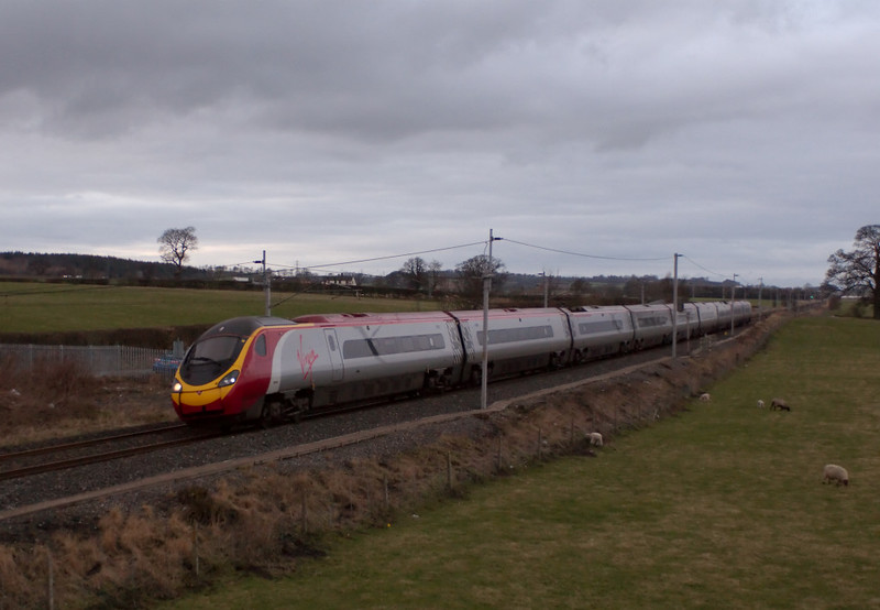 390009 Treaty of Union, Penrith, 23 February 2008 - 1646    Virgin's 1631 Carlisle - Euston.  The former Virgin Queen was renamed on 17 December 2007 at Glasgow Central for the tercentenary of Anglo - Scottish union.