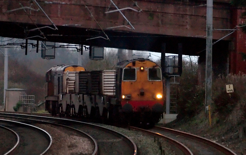 20306 & 20310, 6C52, Hest Bank, 26 November 2008 1 - 1600     The top- and tailed Heysham - Sellafield flasks approach the WCML from Bare Lane...