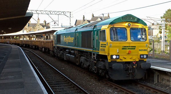 66586, 6Y17, Carnforth, 25 June 2008 - 2016    The Freightliner loco prepares to run into Carnforth loop with the 1904 Hellifield - Crewe spoil from the Clitheroe - Hellifield relaying.