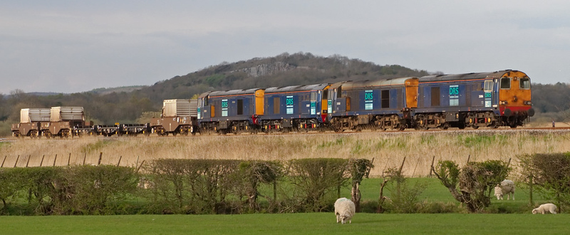 20306, 20302, 20307 & 20310 Gresty Bridge, 6K73, Silverdale, 29 April 2008 - 1805   The 1538 flasks from Sellafield to Crewe, where the train will divide.