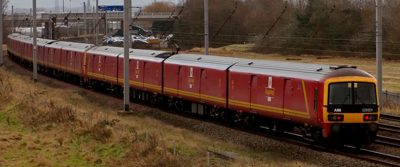 325011, 325007 & 325003, 1M20, Winwick, 18 December 2008 - 1332    GBRf's 1012 Shieldmuir - Willesden Christmas mail runs late into Dallam Royal Mail Terminal because of signalling problems north of Oxenholme.