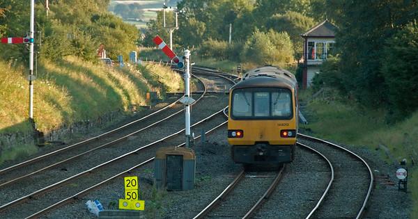 144013, Settle Junction, 20 September 2008 - 1739    Northern's SO 1638 Morecambe - Skipton