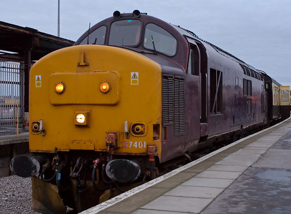 37401, 1Z67, Heysham Port, 19 January 2008 - 1616 2    37401 still wears dark maroon from its time working the Royal Scotsman luxury land cruise train, now operated by WCRC who won the contract from EWS.