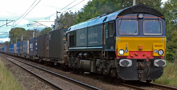 66405, 4M44, Carnforth, 22 August 2008 - 1240    The Malcolm-liveried loco heads the Malcolms - DRS's 0821 Mossend - Daventry.