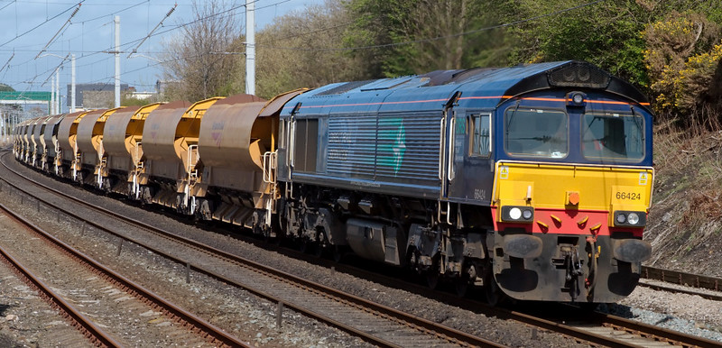 66424, 6P24, Hest Bank, 24 April 2008 - 1456    On hire to Freightliner, the DRS loco heads the 1358 Shap - Crewe ballast.