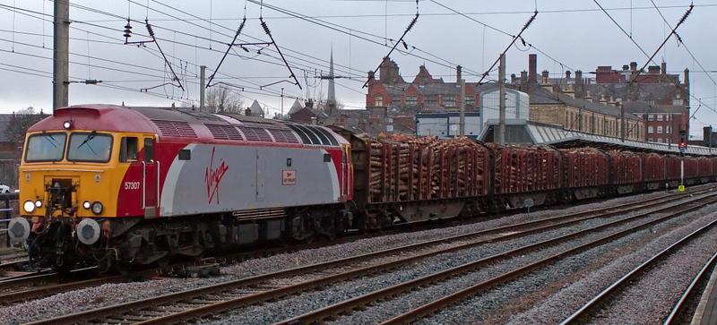 57307 Lady Penelope, 6J37, Preston, 28 March 2008 - 1752   Lady P gets the logs rolling.