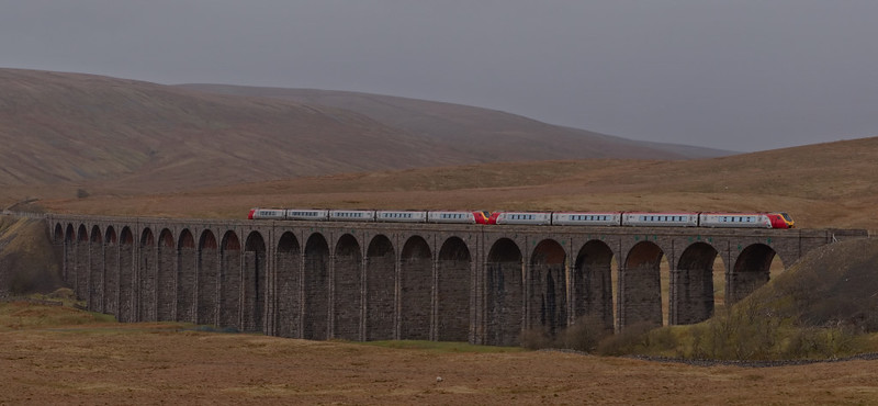 Voyagers, Ribblehead, 6 April 2008 - 1412    Five and four car 221s head north with Virgin's diverted 1103 Birmingham - Glasgow.