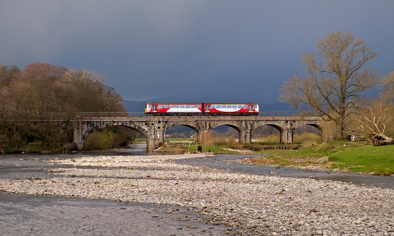 144xxx, Arkholme, 15 April 2008 - 1821    Northern's 1652 Leeds - Morecambe crosses the River Lune.