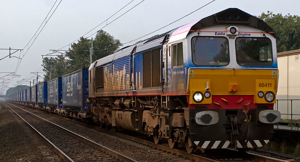 66411 Eddie the Engine, 4S43, Carnforth, 17 September 2008 - 1022    Dirty Eddie heads DRS's 0631 Daventry - Grangemouth Tesco Express.