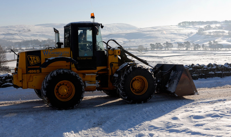 Snow at Greenholme, Fri 8 January 2010 1: 1254      JCB PY 02 LCO