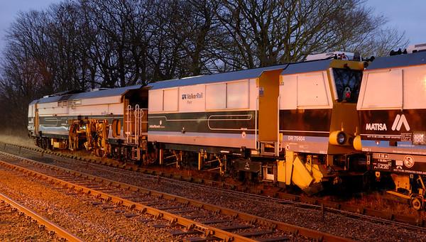 VolkerRail DR75404 & 75405, Hellifield, Thurs 30 December 2010 - 1638    Former GrantPlant Matisa B41UE tampers.