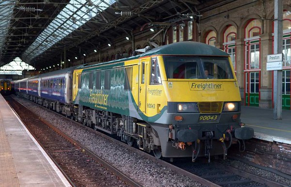90043, 1M16. Preston, Tues 25 April 2017 - 0558.  The Highland Sleeper from Inverness, Aberdeen and Fort William arrives 80 minutes late.  It had reached Lancaster on time but had then been held until the up line reopened between Garstang and Preston.  Its arrival allowed train crew to change onto 1S26, which finally set off at 0601, 158 minutes after it had reached Preston.