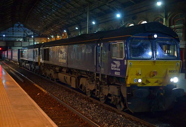 66302 & 66431, 4S43, Preston, Tues 25 April 2017 - 0455.  DRS's 1904 Mossend - Daventry Tesco Express, 383 minutes late.  It had been 189 late at Carlisle and 186 late at Lancaster.