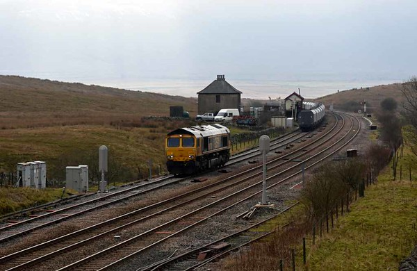 66739 Bluebell Railway, 6M33, Blea Moor, Wed 15 February 2017 1 - 1232.  GBRf's loco runs forward after bringing the 1212 Arcow quarry - Pendleton stone train to Blea Moor in order to reverse.  The colour light signals were installed in autumn 2015; the loop was already bi-directional.
