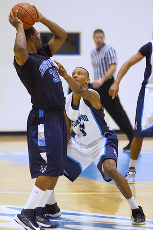 Seahawks' Kevin McDuffie guards T'wolves Adam Taylor