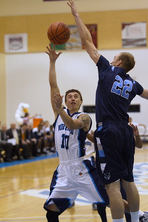 Timberwolves' Will Bowles (22) blocks Tracy Parks' shot