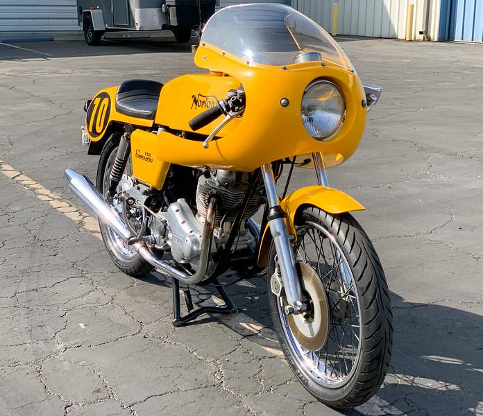 Norton Commando Production Racer Replica -  (25)